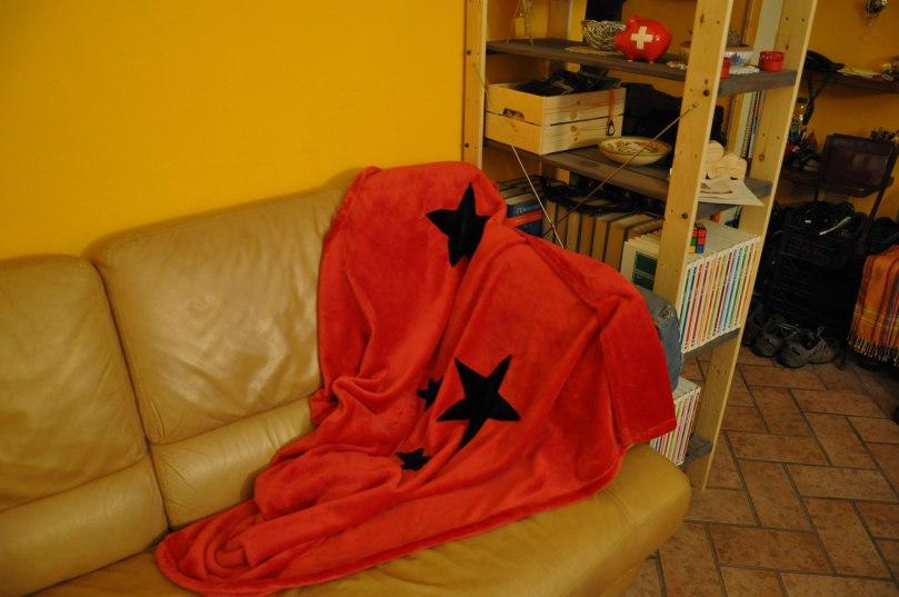 Fragulina_red_blanket